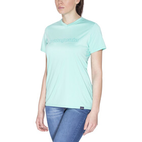 Patagonia Capilene Daily Graphic T-Shirt Femme, outline text logo:galah green